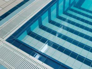 Купить решетку для лотка бассейна